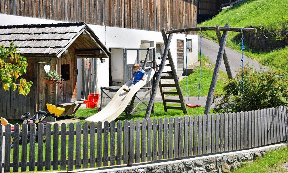 Urlaub auf dem Bauernhof mit Kindern: ein Abenteuer
